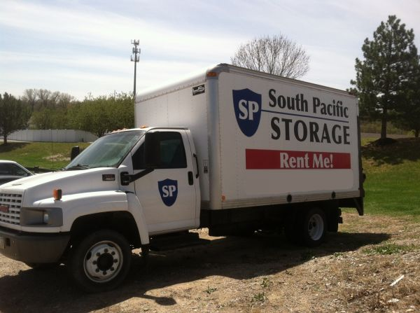 15815 Pacific Street Omaha, NE 68118 - Moving Truck