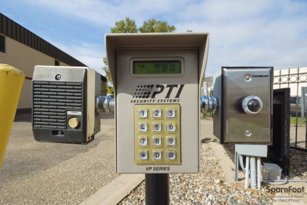 3800 Louisiana Avenue South St. Louis Park, MN 55426 - Security Keypad