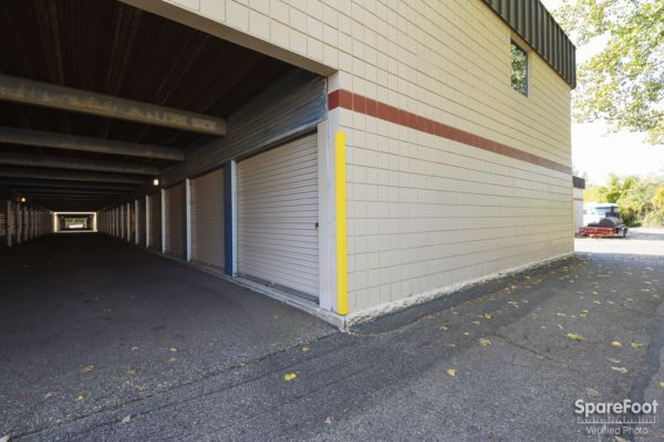 3800 Louisiana Avenue South St. Louis Park, MN 55426 - Indoor Unit|Drive-up Units|Driving Aisle