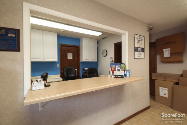 3800 Louisiana Avenue South St. Louis Park, MN 55426 - Front Office Interior