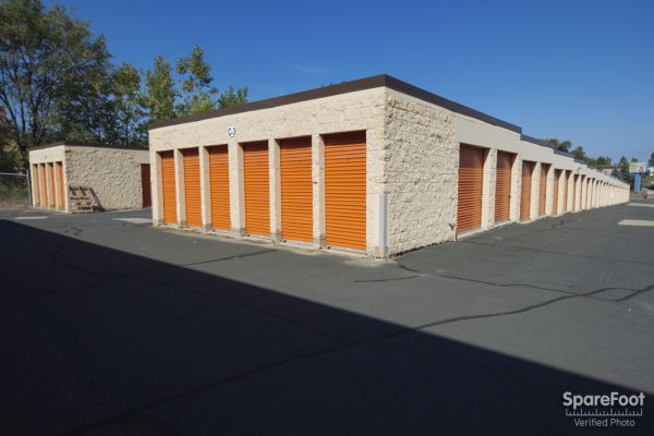 10685 165th Street West Lakeville, MN 55044 - Drive-up Units|Driving Aisle
