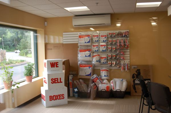 245 Spring Hill Road Trumbull, CT 06611 - Moving/Shipping Supplies