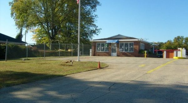 903 W Main St Forest City, NC 28043 - Security Gate|Drive-up Units|Driving Aisle