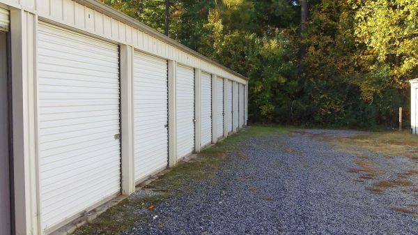 505 Rochester Highway Seneca, SC 29672 - Drive-up Units