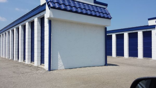 1089 Atlantic Boulevard Atlantic Beach, FL 32233 - Drive-up Units