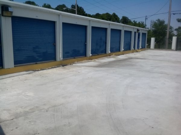 8204 Normandy Boulevard Jacksonville, FL 32221 - Drive-up Units|Driving Aisle
