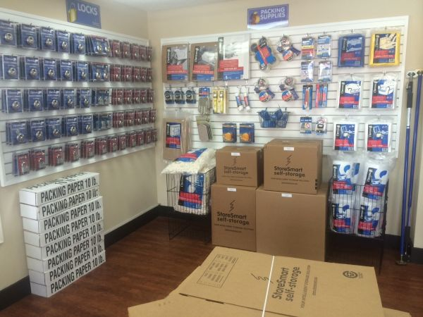 5607 Camden Road Fayetteville, NC 28306 - Moving/Shipping Supplies