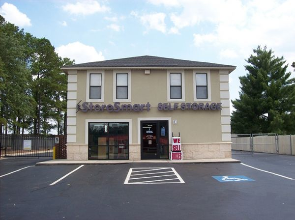 5607 Camden Road Fayetteville, NC 28306 - Storefront