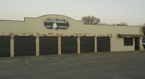 622 North Rogers Road Irving, TX 75061 - Store Front|Driving Aisle|Drive up Units