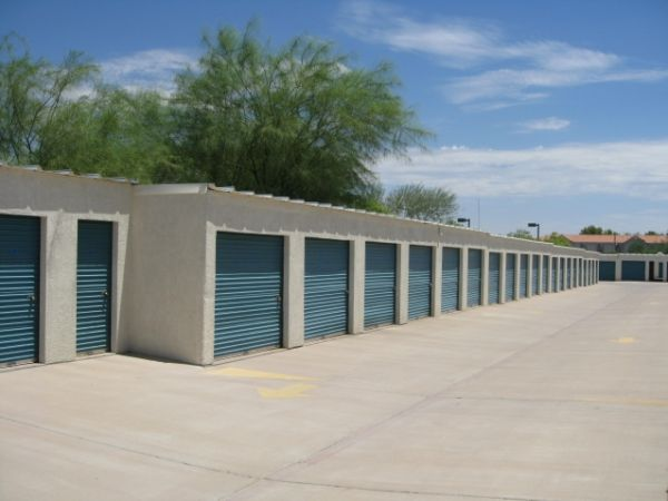 1403 W Baseline Rd Tempe, AZ 85283 - Drive-up Units|Driving Aisle