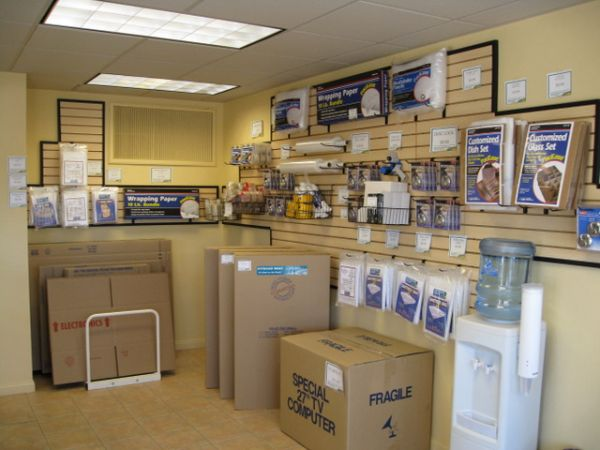990 S Boulder Hwy Henderson, NV 89015 - Moving/Shipping Supplies