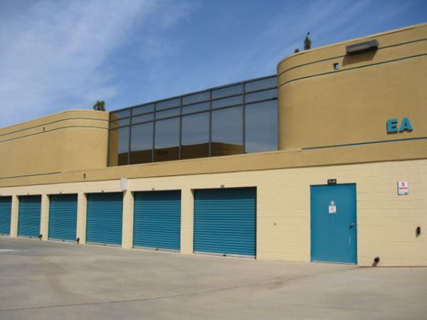 12305 World Trade Dr San Diego, CA 92128 - Drive-up Units