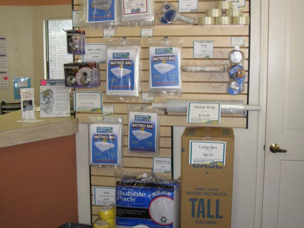 12305 World Trade Dr San Diego, CA 92128 - Moving/Shipping Supplies
