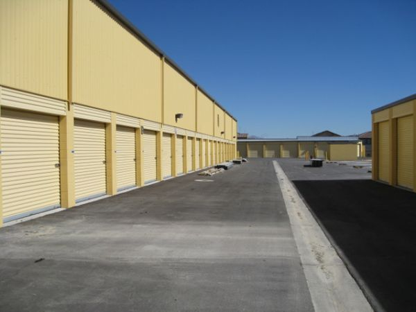 787 E Centennial Pkwy North Las Vegas, NV 89081 - Drive-up Units|Driving Aisle