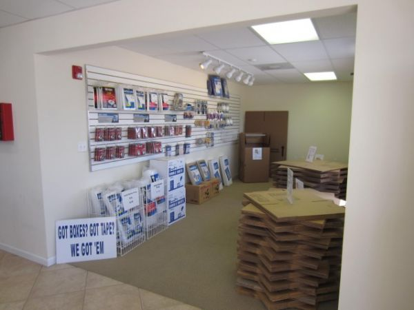 5500 E Sam Houston Pkwy N Houston, TX 77015 - Moving/Shipping Supplies