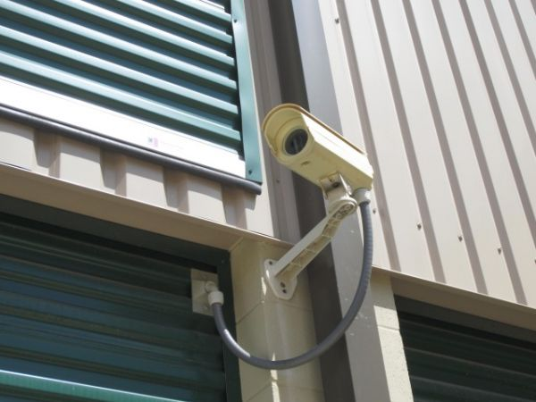 5500 E Sam Houston Pkwy N Houston, TX 77015 - Security Camera