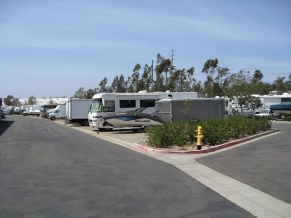 10999 Willow Ct San Diego, CA 92127 - Car/Boat/RV Storage|Driving Aisle