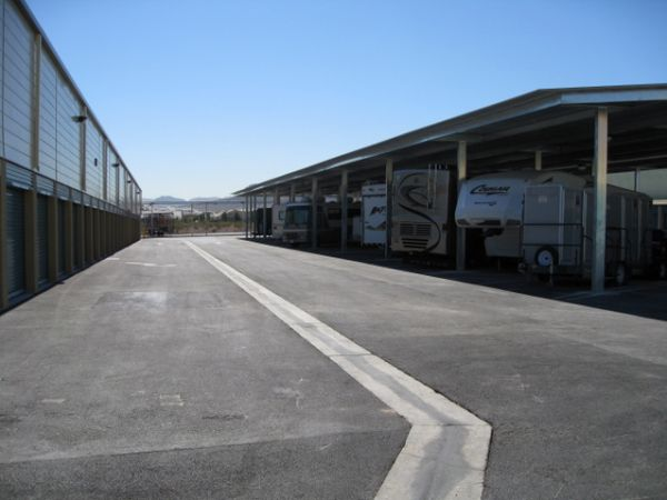 9325 W Russell Rd Las Vegas, NV 89148 - Car/Boat/RV Storage|Driving Aisle