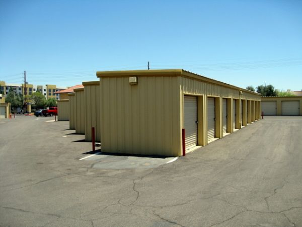 1450 S Mcclintock Dr Tempe, AZ 85281 - Drive-up Units