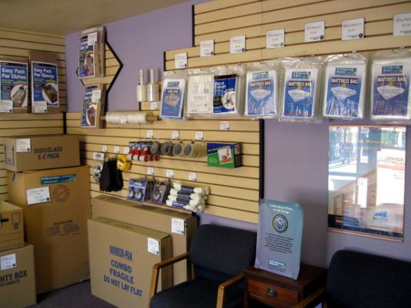1450 S Mcclintock Dr Tempe, AZ 85281 - Moving/Shipping Supplies