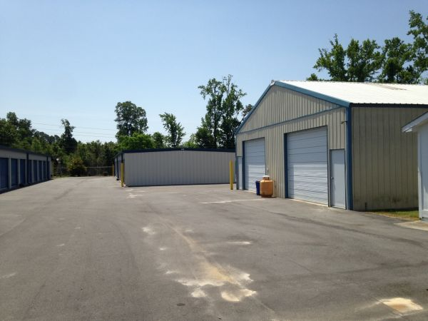 951 Worthington Rd Winterville, NC 28590 - Drive-up Units