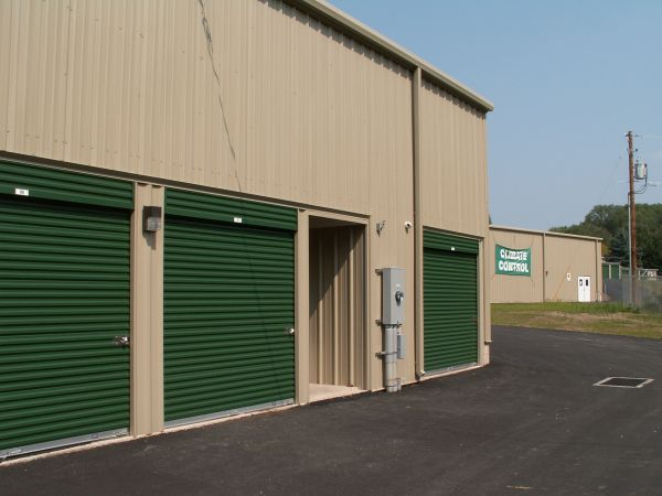 2227 Route 209 Sciota, PA 18354 - Drive-up Units