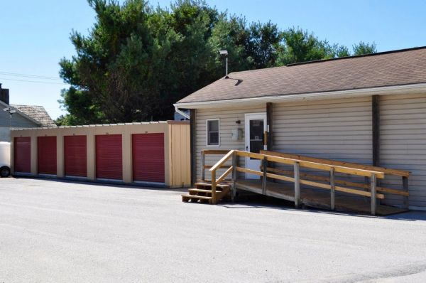 3240 Old Westminster Pike Finksburg, MD 21048 - Storefront|Drive-up Units|Driving Aisle