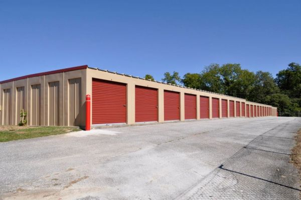 3240 Old Westminster Pike Finksburg, MD 21048 - Drive-up Units|Driving Aisle