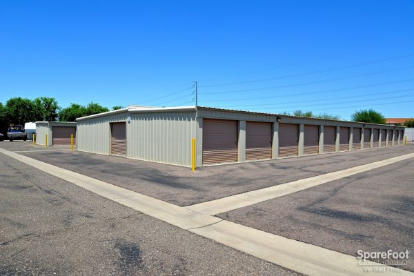 12160 N 59th Ave Glendale, AZ 85304 -