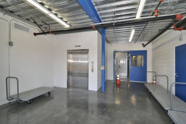 2500 West Hellman Avenue Alhambra, CA 91803 - Rolling Cart|Elevator