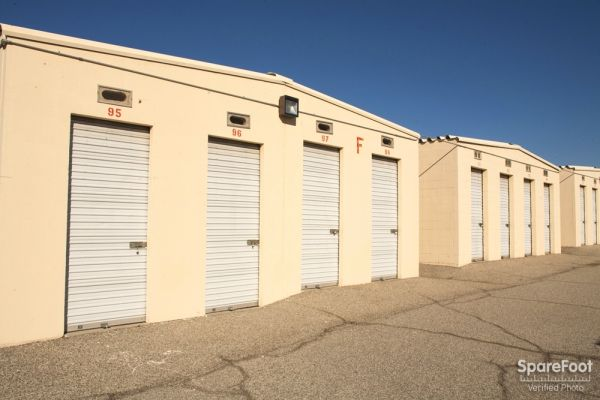 1500 Crestfield Drive Duarte, CA 91010 - Drive-up Units|Driving Aisle