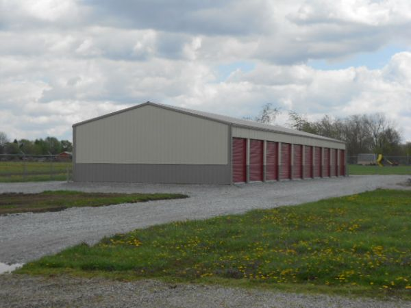 8060 North Us Highway 68 Wilmington, OH 45177 - Drive-up Units|Driving Aisle