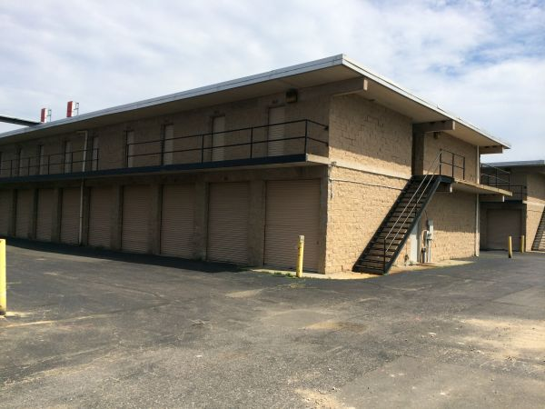 650 Middle Country Road St. James, NY 11780 - Drive-up Units|Driving Aisle