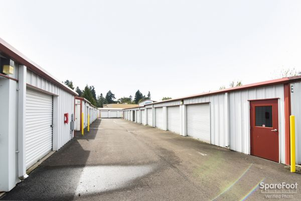 2900 Northeast 57th Avenue Vancouver, WA 98661 - Drive-up Units|Driving Aisle