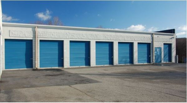 2381 Highway 71 Austin, TX 78617 - Drive-up Units