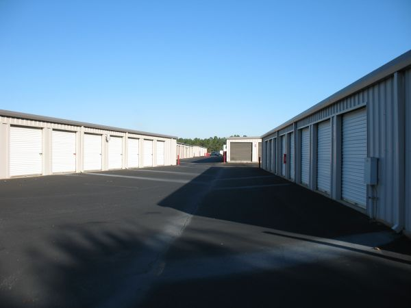 1980 West 10 Mile Road Cantonment, FL 32533 - Drive-up Units|Driving Aisle
