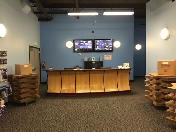 1828 Egbert Avenue San Francisco, CA 94124 - Security Monitor|Moving/Shipping Supplies|Front Office Interior