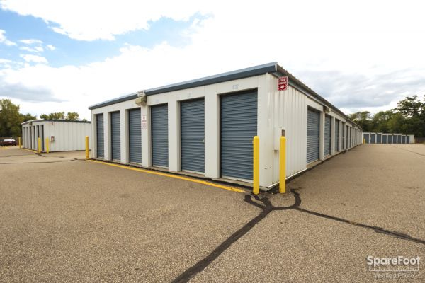 9735 S Robert Trail Inver Grove Heights, MN 55077 - Drive-up Units|Driving Aisle