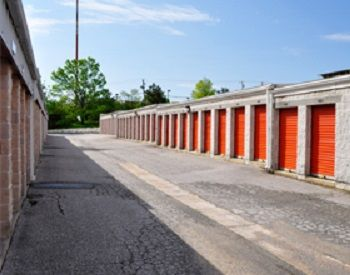 1700 Belmont Avenue Woodlawn, MD 21244 - Drive-up Units