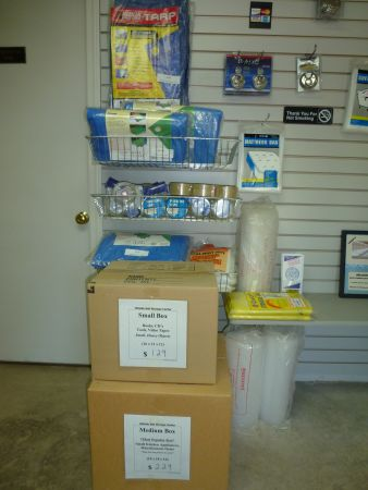 132 Route 6 Andover, CT 06232 - Moving/Shipping Supplies