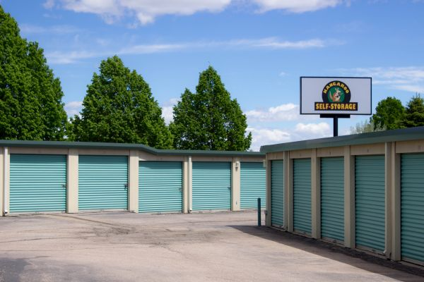 Kangaroo Self Storage Loveland   100 Valency Drive