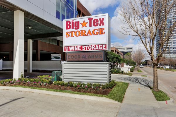Big Tex Storage Houston   3202 Weslayan Street
