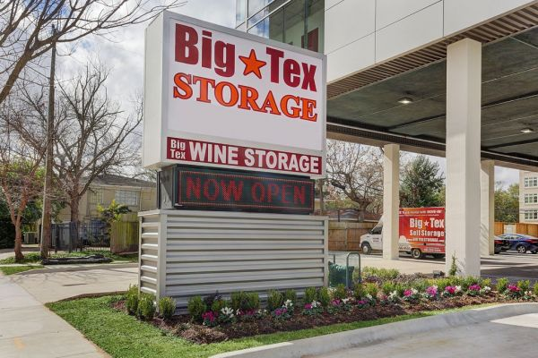 Bon Big Tex Storage Houston   3202 Weslayan Street
