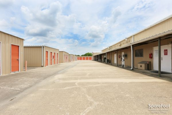 Able Self Storage   17215 Pearland Sites Road