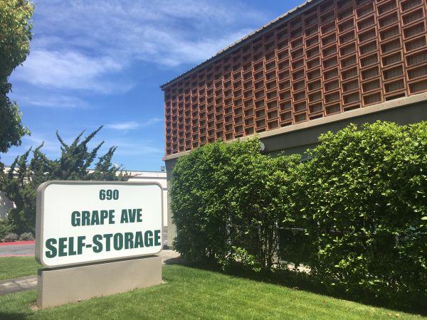Grape Avenue Self Storage