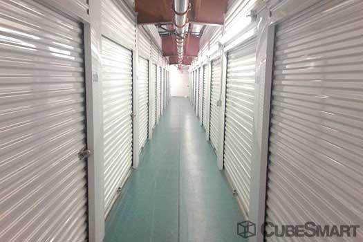 Nj Self Storage   2425 Tonnelle Avenue