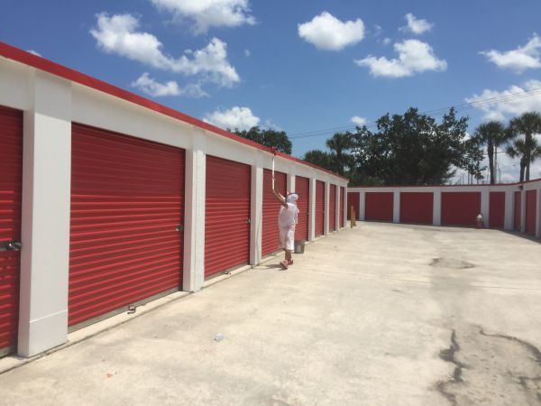 Storage Rentals Of America Palm Beach Gardens 7000 North Military Trail Sparefoot