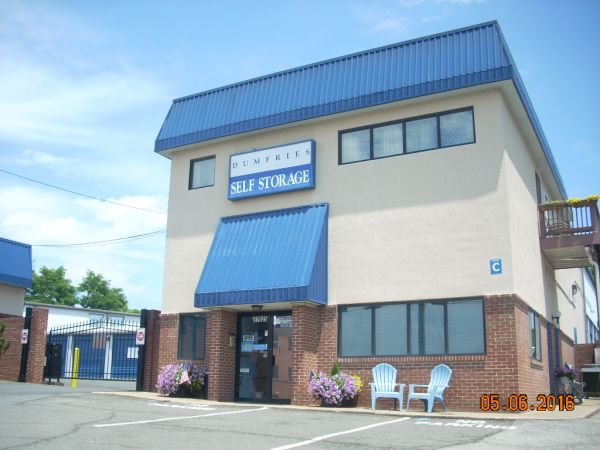 Dumfries Self Storage & 15 Cheap Self-Storage Units Stafford VA w/ Prices from $19/month