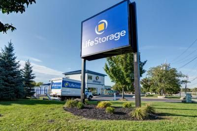 Life Storage   Buffalo   Cayuga Road   550 Cayuga Road