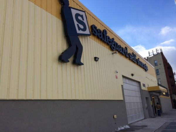 Safeguard Self Storage - Bronx - East Tremont & 15 Cheap Self-Storage Units Yonkers NY w/ Prices from $19/month